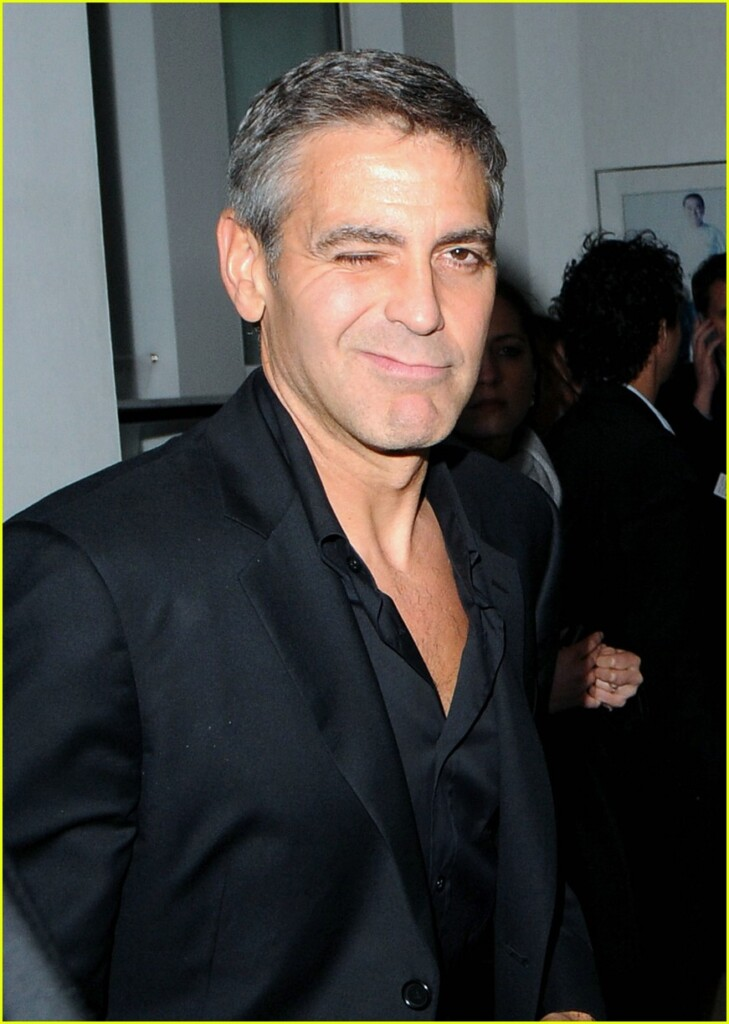 george-clooney-renee-zellweger-leatherheads-afterparty-04