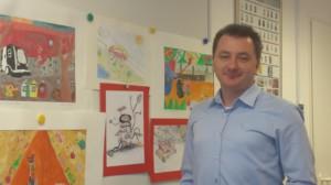 Kalocsai Norbert és a beküldött rajzok egy része