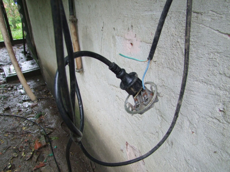magyar szerdahely áramot vezetett a kerítésébe 2