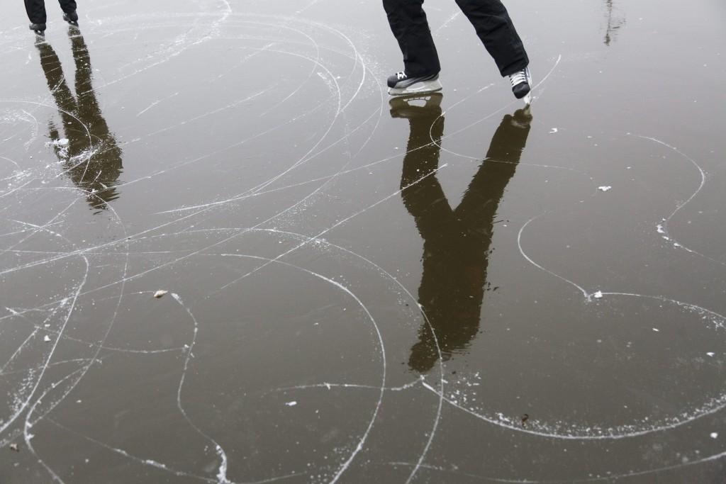 nagykanizsa csónakázó tó korcsolyázás 2