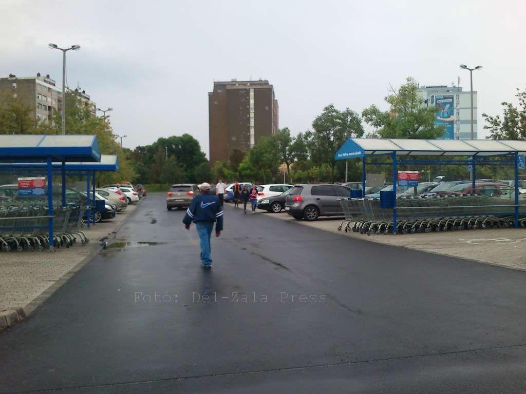 nagykanizsa tesco parkoló
