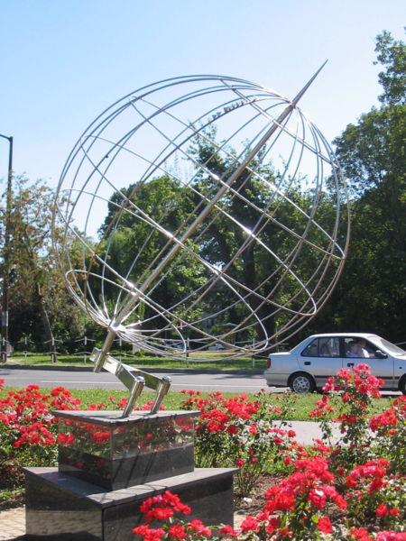 nagykanizsa hosszúsági kör szobor