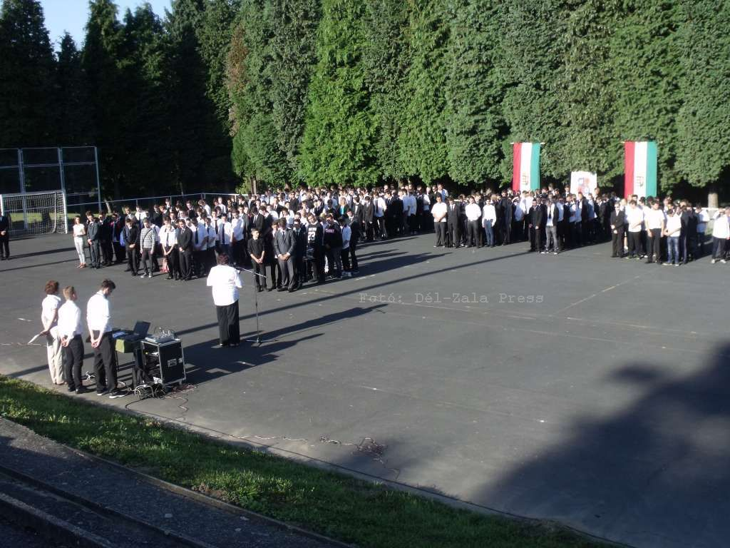 nagykanizsa cserháti tanévnyitó 2016