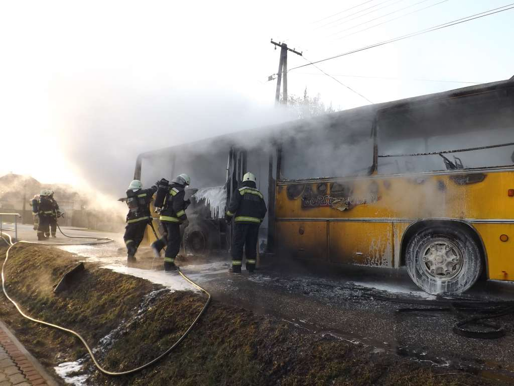 kigyulladt-autobusz